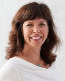 Headshot of Deborah Schussler